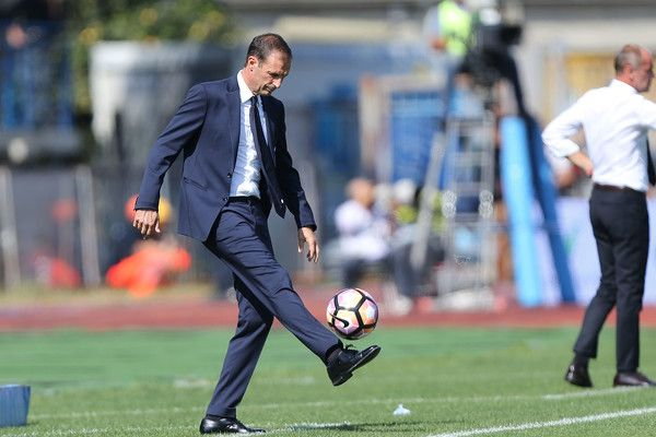Massimiliano Allegri head coach of Juventus FC gestures during the Serie A match between Empoli FC and Juventus FC at Stadio Carlo Castellani on October 2, 2016 in Empoli, Italy.
