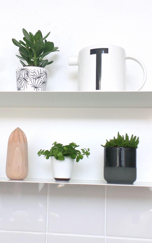 Via ikea botkyrka shelf design letters - Ikea plantes vertes ...