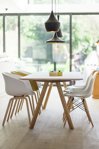 Mixte chaises Hay + eames