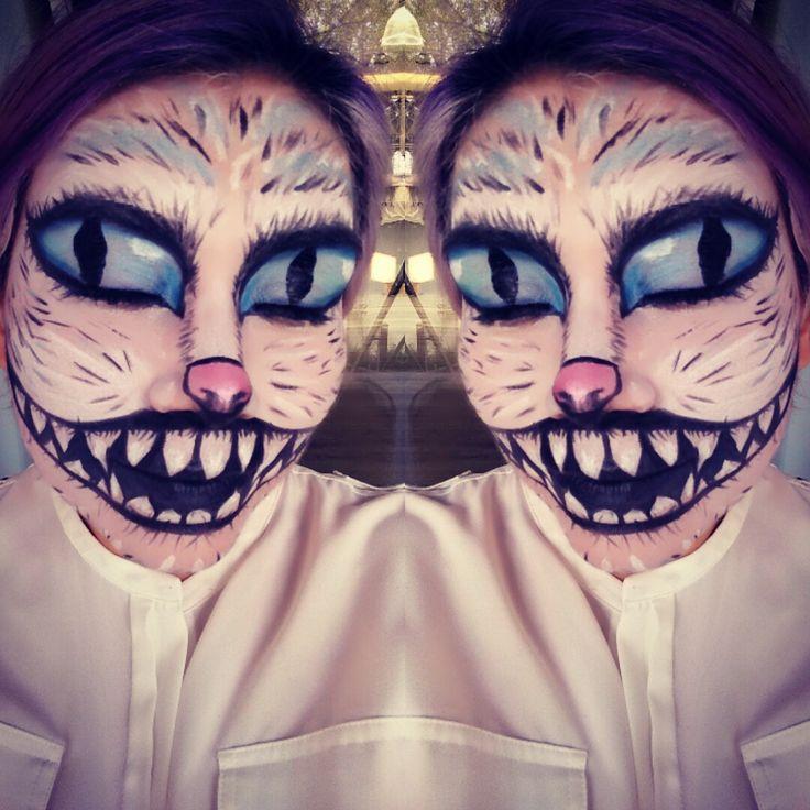 Maquillaje de gato de Alicia en el país de las maravillas