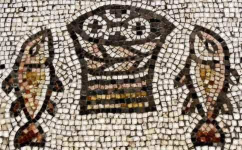 Mosaico representando a multiplicação dos pães e dos peixes na  Igreja da Multiplicação - Tabgha, ao norte do Mar da Galiléia.