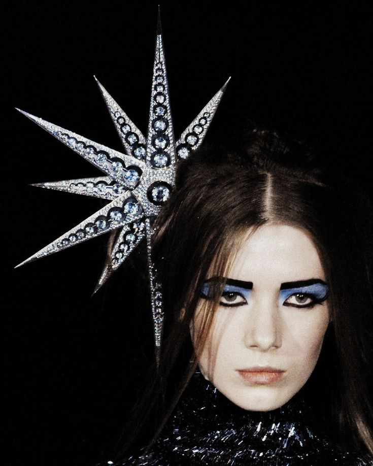 i made a star headband very similiar to this several years back Alexander McQueen Autumn/Winter 2007