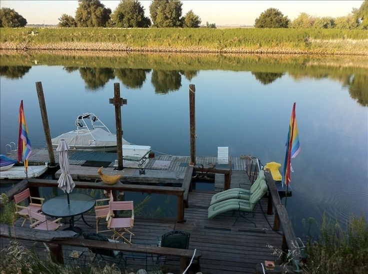 1000 images about exploring locke on pinterest for Houseboats for rent in california