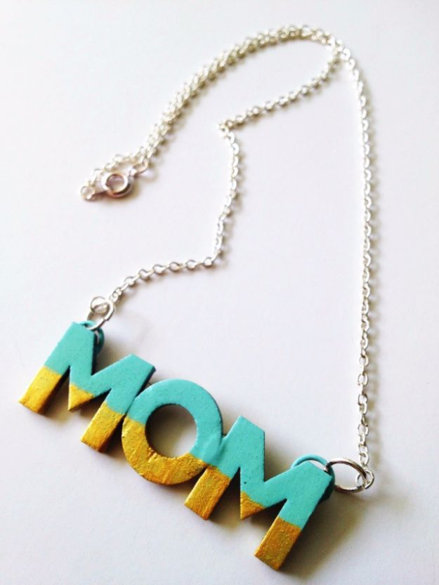 17 do it yourself necklace pinterest 45 inexpensive diy mothers day gift ideas solutioingenieria Images