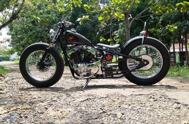 Victorious Custom Works: Chopper Bobber_Kaisar Ruby 250