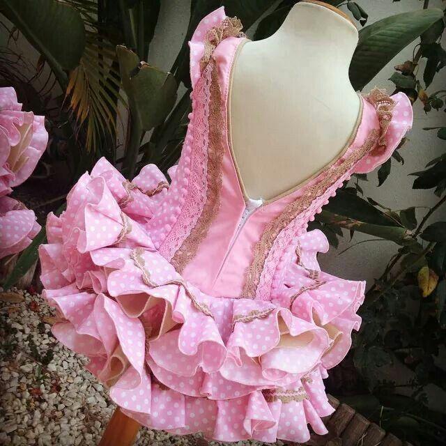 Espalda de vestido de niña