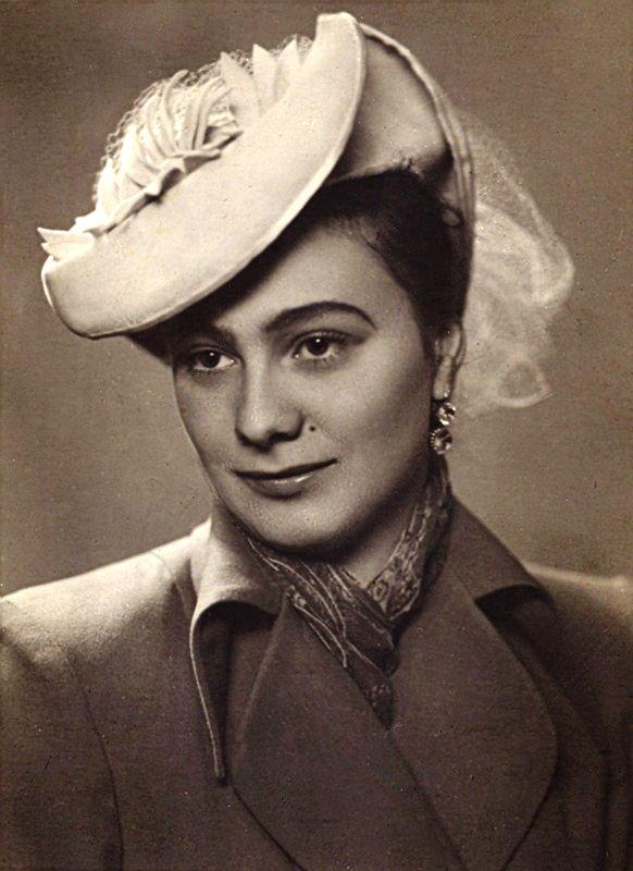 Галина Брежнева (18 апреля 1929 - 29 июня 1998)