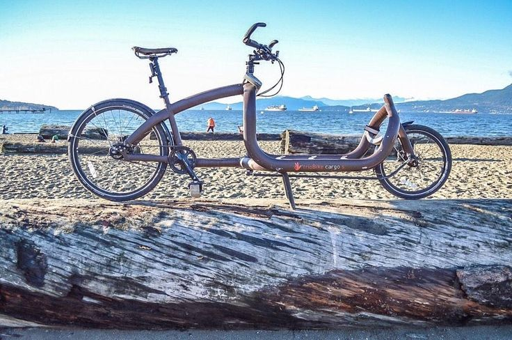 @triobike Cargo Vancouver BC Inner city transport at its best.