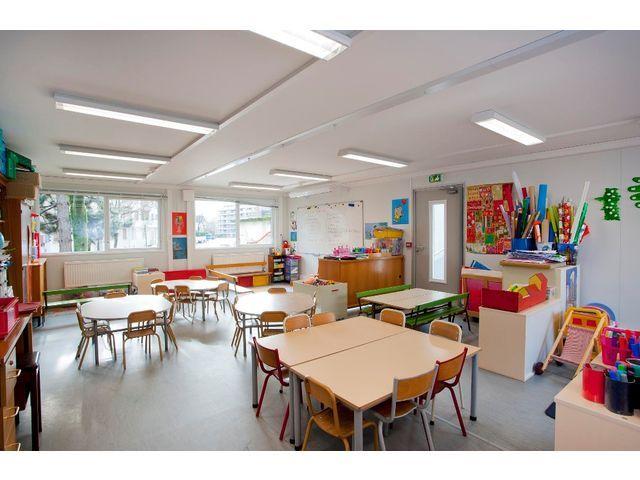 Salle De Classe Moderne Pour Gardeies Et Primaire Recherche