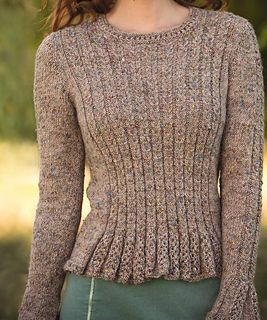 Vintage style - feminine shape in a practical long sleeve pullover - Tkn75