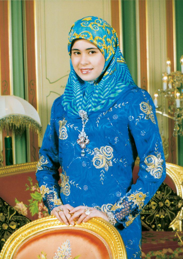 Her royal highness paduka seri pengiran anak isteri - Princesse sarha ...