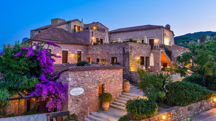 Spilia Village is an exquisite traditional hotel located in the center of an authentic Cretan village, with a luxury touch which highlights the intense charm of a bygone era.