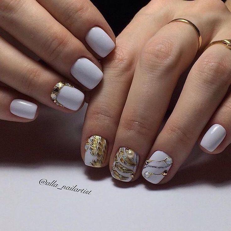 Ideas for short nails, Metallic gold nail polish, Nails with gold, Party nails, Party short nails, Short nails 2017, Short white nails, Square nails