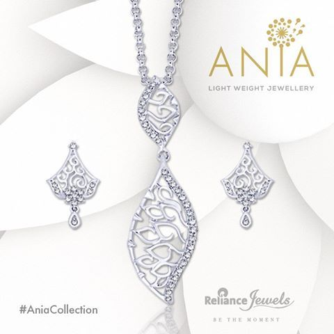 ‪#‎AniaCollection‬ Light Weight Jewellery. Eternal motifs and traditional designs for divas of all boardrooms. Reliance Jewels Be The Moment. www.reliancejewels.com  #reliance #reliancejewels #indianjewellery #beautiful #bridal #neverendingtrend #bethemoment #beyou