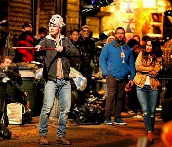 Jinete de la Noche - Cine Fantastico: Dos nuevas imagenes de Stephen Amell y Megan Fox en el set de TORTUGAS NINJA 2