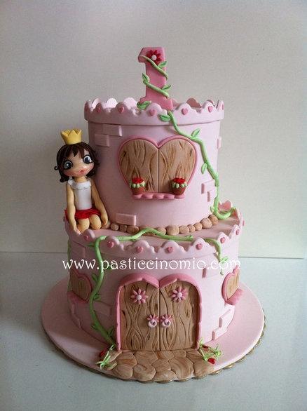 Castle Cake  Cake by PasticcinoMio