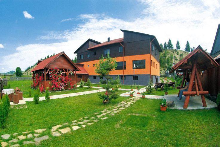 Casa Lucia, Manastirea Humorului