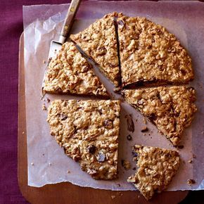 Oatmeal-Chocolate Chip Cookie Pizza #goodhousekeeping #chocolate #desserts