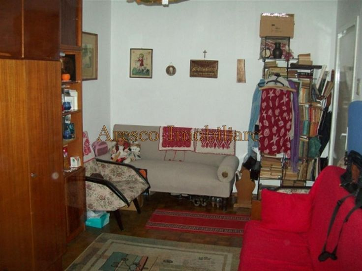 http://www.aresco-imobiliare.ro/component/properties/property/1-de-vanzare/1-apartamente/799-de-vanzare-apartament-cu-2-camere-in-plopilor-cluj.html