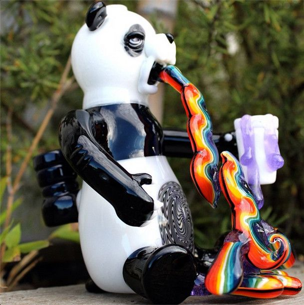 Piece of the Week | Rainbow Puking Panda Rig | Weedist . This is sick ! & i want it !