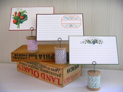 recipe card holder from spool and twine (craftionary feature)
