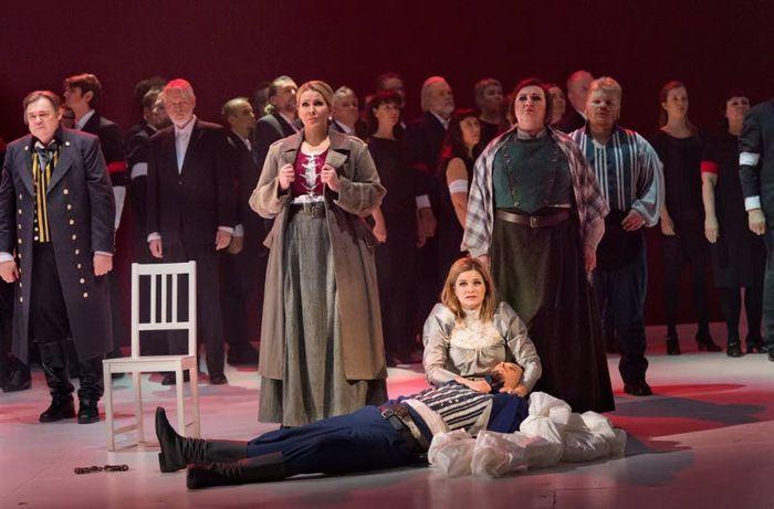 Tampereen Ooppera juhlii syntymäpäiviään Leevi Madetojan Pohjalaisia -oopperalla. Samalla oopperalla aloitettiin toiminta 70 vuotta sitten.
