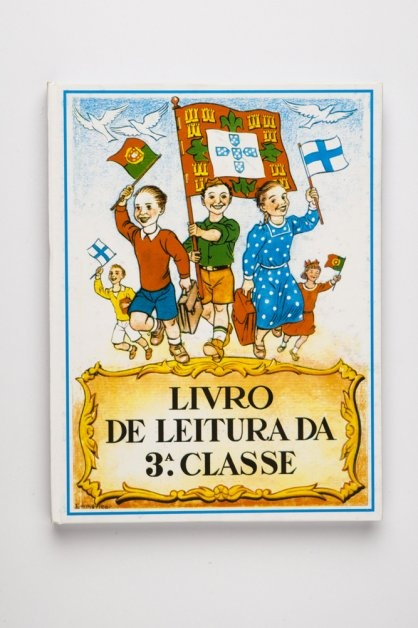 School reading book from the 50's, in Portugal, during the dictatorship of Salazar. I have this book!!