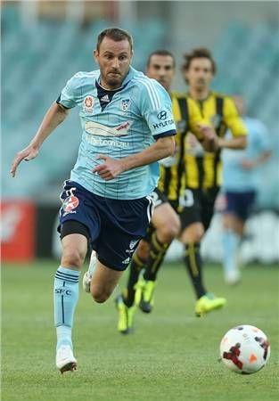 A late equalizer from Wellington was outdone by an injury-time winner from Sydney FC striker-on-debut Ranko Despotovic who grabbed all three points for the Sky Blues.