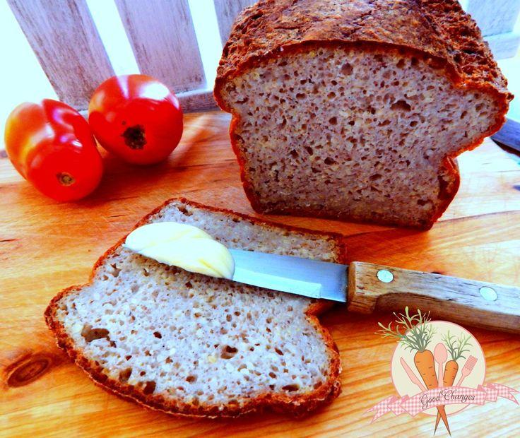 Bezglutenowy chleb z kaszą jaglaną.