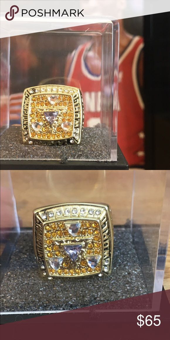 Kobe Bryant replicated MVP championship ring Beautiful weight  solid ring able to wear or beautiful for display Jewelry Rings