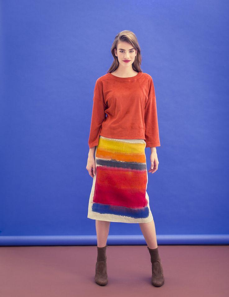 Deze rok is net als schildersdoek, gemaakt van linnen, waarop met textielverf een Mark Rothko-achtige dessin is aangebracht.