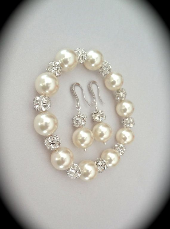 Pearl bracelet and earring set - Chunky - Crystal Rhinestones - Elegant - Brides…