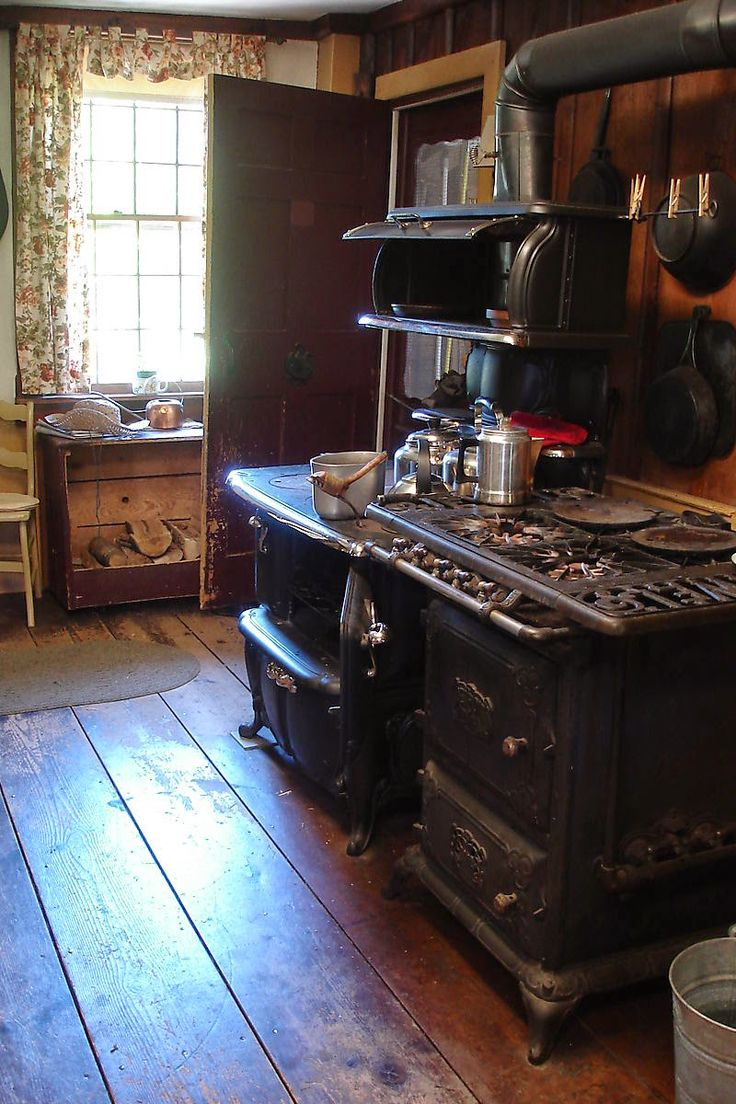 THE BLESSED HEARTH: In my Kitchen and a Pinterest issue...