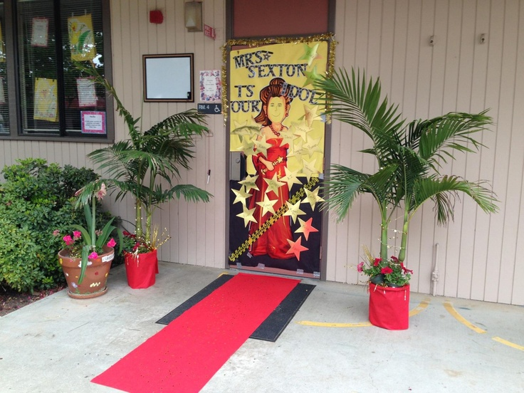 red carpet theme door decoration for teacher appreciation. Black Bedroom Furniture Sets. Home Design Ideas