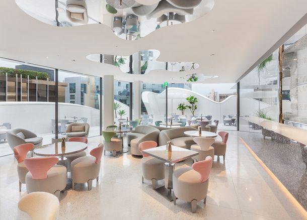 Бутик модного Дома #Dior, архитектор Кристиан де Портзампарк и Питер Марино.