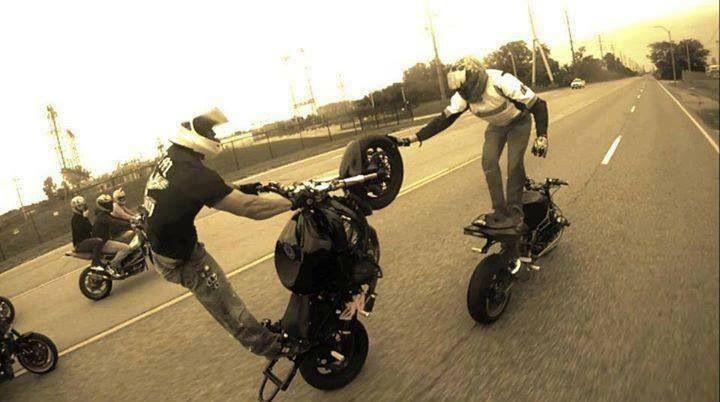 Street bike Stunts