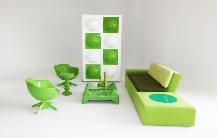 Green pod with modular couch