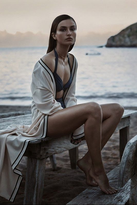 VISUELLE: Andreea Diaconu by Josh Olins for WSJ Magazine [Editorial]