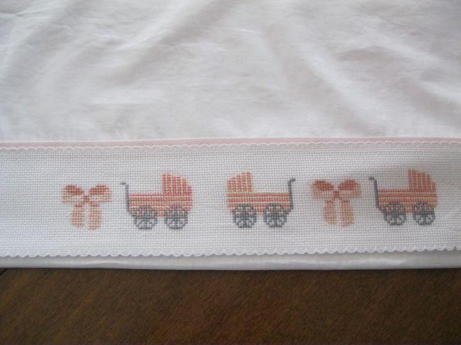 Lenzuolino con carrozzine rosa - Dall'album di Ferranto