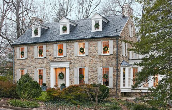 White Christmas: Lovely Virginia Home - Traditional Home®
