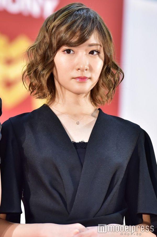 乃木坂46生駒里奈が大人化 雰囲気ガラリで輝きオーラ放つ(C)モデルプレス