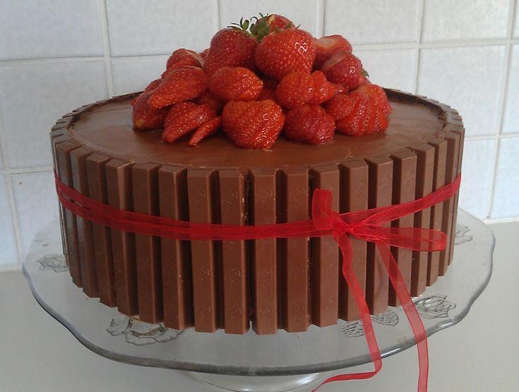 Norwegian Kvikk Lunsj Cake http://www.serieliv.no/2012/12/09/renates-nydelige-kvikk-lunsj-kake/
