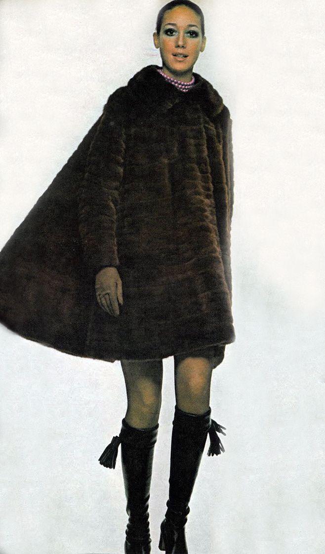 Marisa Berenson, photo by Gianni Penati, Vogue, 1970