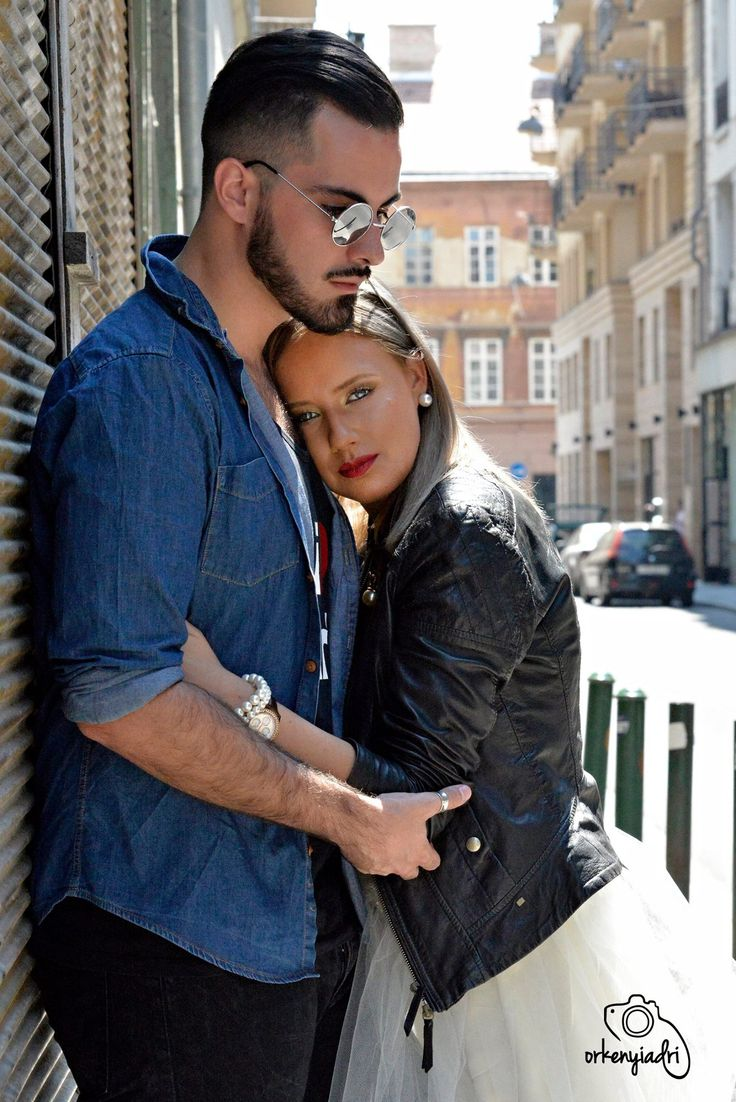 couple photography pair ootd outfit fashion glamour divat trend black white outside budapest girl boy woman men jeans leather jacket shirt sunglasses skirt