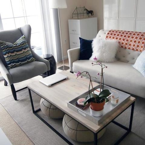 Love the footstools under the coffee table.