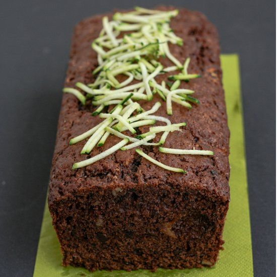 Delicious and healthy Zucchini Cake with Apple and Chocolate, Brown Sugar and Walnuts (Italian and English)