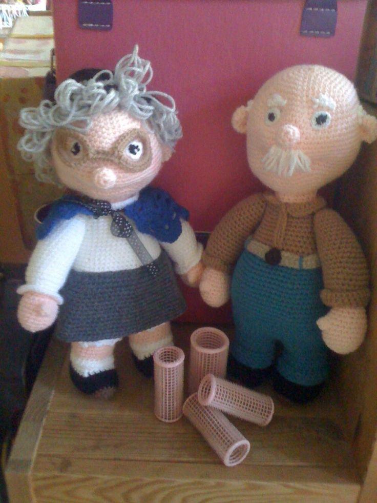 Oma en opa  http://www.haakidee.nl/winkel/haakpatroon-oma-huberdina/