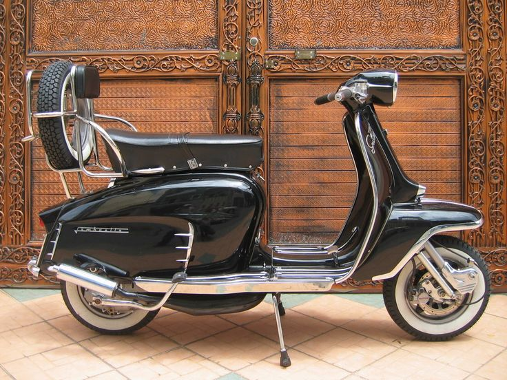 Lambretta Li Special 150 (It's they first I've seen that I'd allow myself to be seen on)