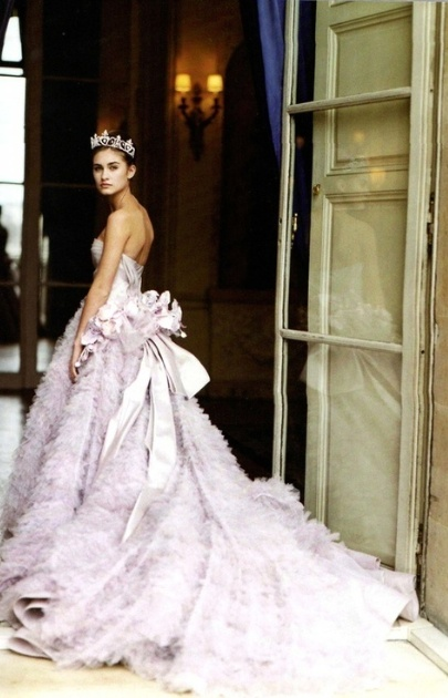 This can be one of my favourite dresses ever. Lauren Bush in Dior Haute Couture by John Galliano, spring 1997. his debut collection, actually.
