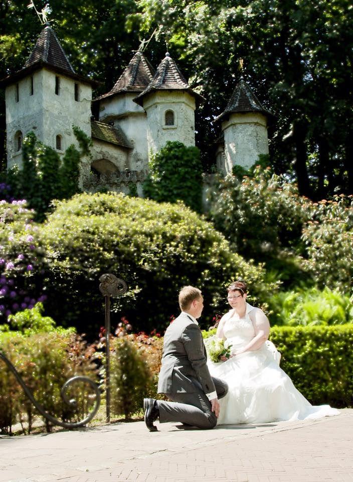 Wendy Zwart en haar man trouwden op 7 juni 2013 en lieten dit vastleggen in de Efteling